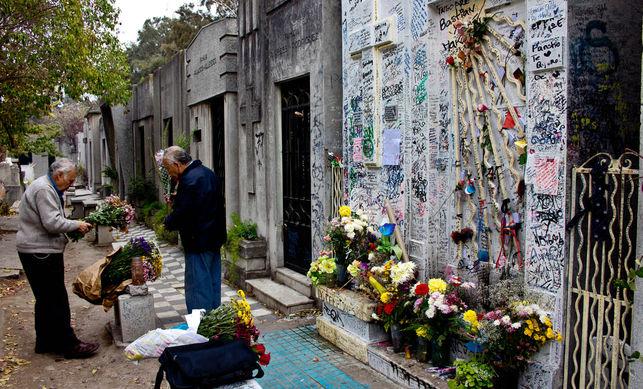 Cientos-agradecimiento-Cementerio-Santiago-Chile_EDIIMA20140819_0492_13