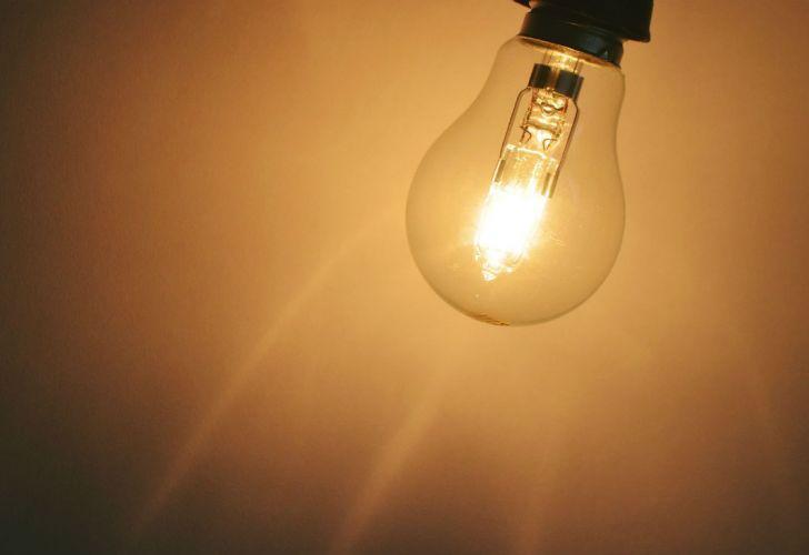 en-febrero-habra-el-primer-aumento-en-la-tarifa-de-luz-del-2019-612987
