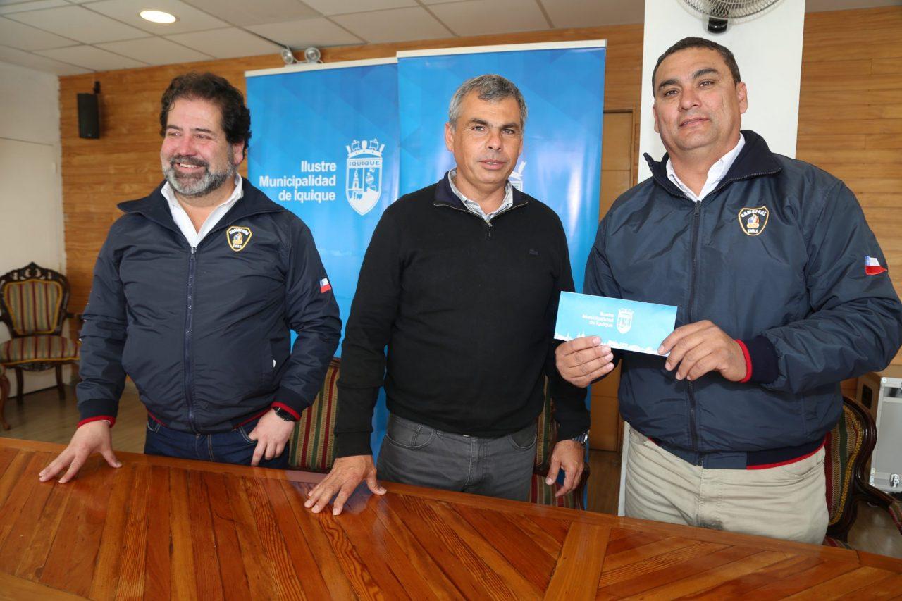 CONCEJO-MUNICIPAL-APRUEBA-SUBVENCION-A-CUERPO-DE-BOMBEROS-DE-IQUIQUE-1-2048x1365
