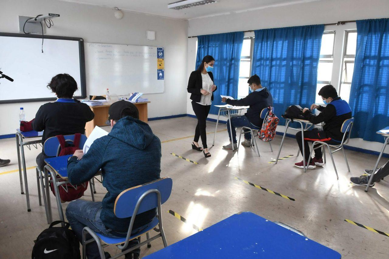 Colegios-reapertura-2048x1365